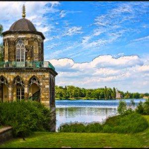 Die gotische Bibliothek am Heiligen See