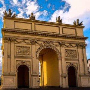 Das echte und ältere Brandenburger Tor