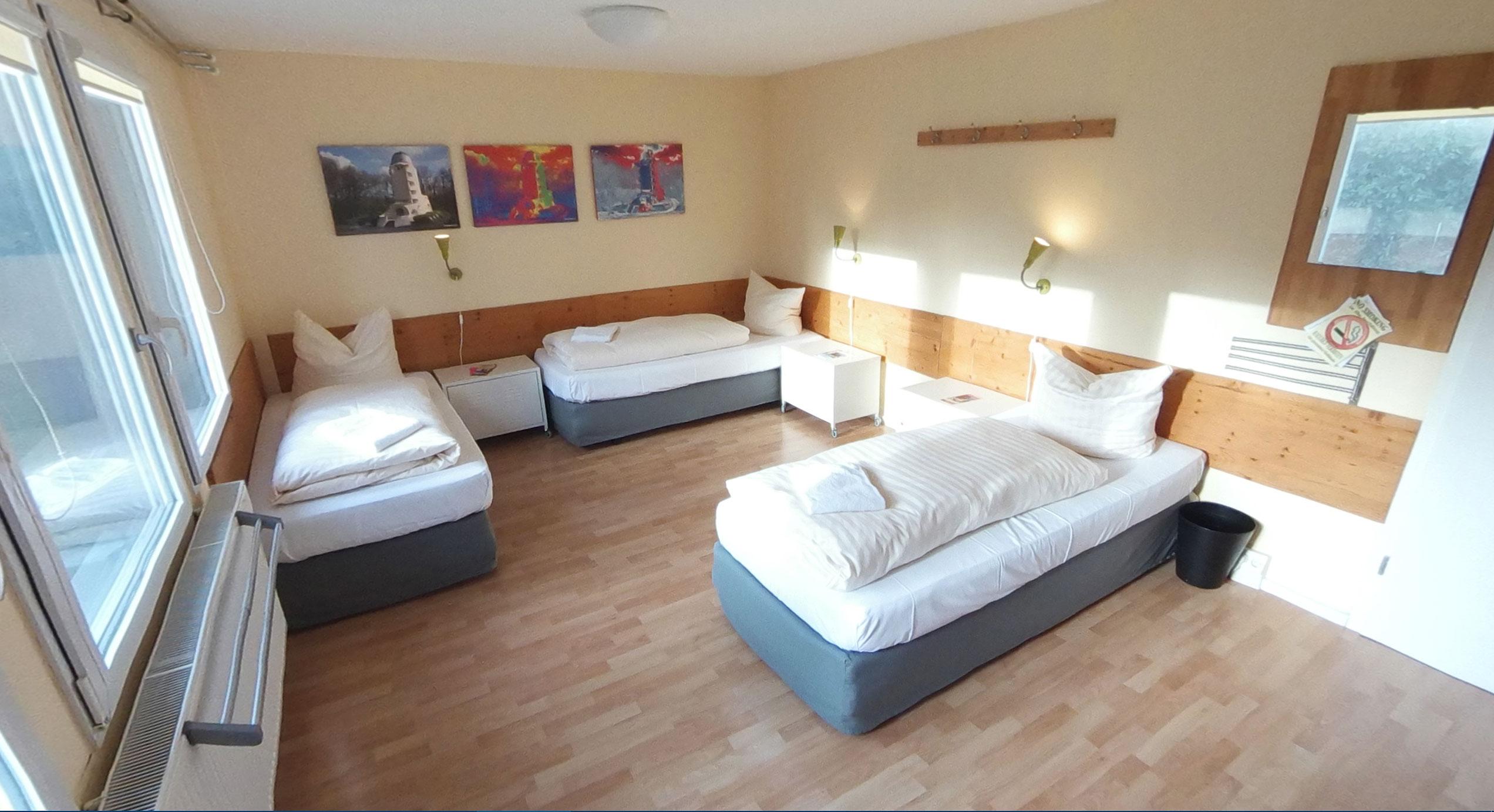 4 bett zimmer damen quartier potsdam hostel. Black Bedroom Furniture Sets. Home Design Ideas